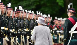 Sollte auf die Queen ein Anschlag verübt werden? (Foto)