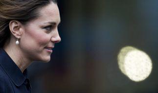 Herzogin Kate ist wütend auf ihre Mutter Carole Middleton. (Foto)