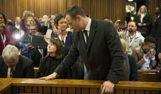 Oscar Pistorius muss für sechs Jahre in Haft. Das urteilte das Gericht am heutigen Mittwoch in Pretoria. (Foto)