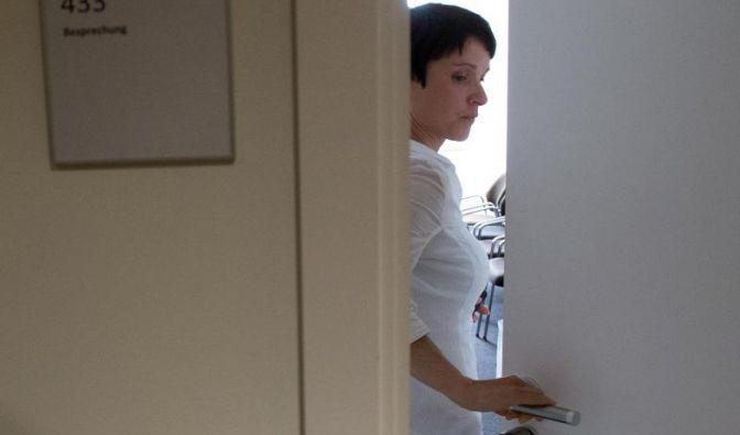 Angeschlagen und umstritten: AfD-Chefin Frauke Petry im Stuttgarter Landtagsgebäude.