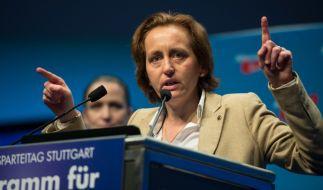 Vergriff sich mal wieder im Ton - doch nun ist für viele offenbar eine Grenze erreicht: AfD-Vizechefin Beatrix von Storch am 1. Mai beim AfD-Bundesparteitag in Stuttgart. (Foto)