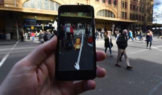 """""""Augmented Reality"""" macht's möglich: Bei """"Pokemon Go"""" erscheinen die japanischen Taschenmonster an den unmöglichsten Orten. (Foto)"""