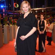Rosalie Thomass bei den 66. Internationalen Filmfestspielen in Berlin am 11. Februar 2016 - damals noch mit Babybauch.