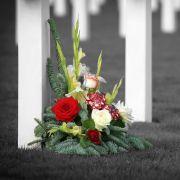 Sex-Täter missbraucht trauernde Mutter auf dem Friedhof (Foto)