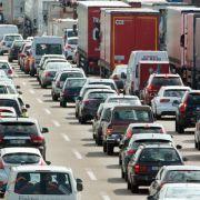 Auf diesen Autobahnen herrscht am Wochenende Stau (Foto)