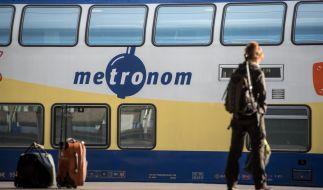 Panik im Metronom: Junger Mann ging mit Messer auf Mitreisende los (Symbolbild). (Foto)