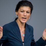 Fraktionschefin der Linken, Sahra Wagenknecht, stößt mit ihrer Forderung nach einer Flüchtlingsobergrenze auf Kritik. (Foto)