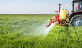 Nicht nur Glyphosat ist für den Menschen gefährlich. (Foto)