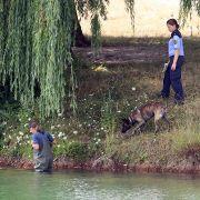 Die Polizei durchkämmte das Gelände mit Tauchern und Spürhunden.