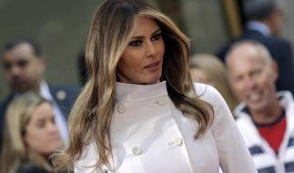 Melania Trump soll bei ihrem Lebenslauf geschummelt haben. Auf dem Parteitag der Republikaner wies ihre Rede bereits deutliche Ähnlichkeiten mit der von Michelle Obama aus dem Jahr 2008 auf. (Foto)