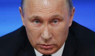 Wladimir Putin: Hat er jetzt auch ein Auge auf den US-Wahlkampf geworfen? (Foto)