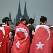 Rechtsextreme Demo aufgelöst - Polizei spricht dennoch von Erfolg (Foto)