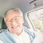 Ohne Reifen auf der Überholspur! 78-Jähriger zerlegt sein Auto (Foto)