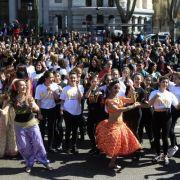 Flashmob löst Massenpanik aus: 5 Deutsche inhaftiert! (Foto)