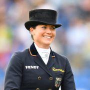 Nicht nur mit ihrem zauberhaften Lächeln überzeugt Reiterin Kristina Bröring-Sprehe.