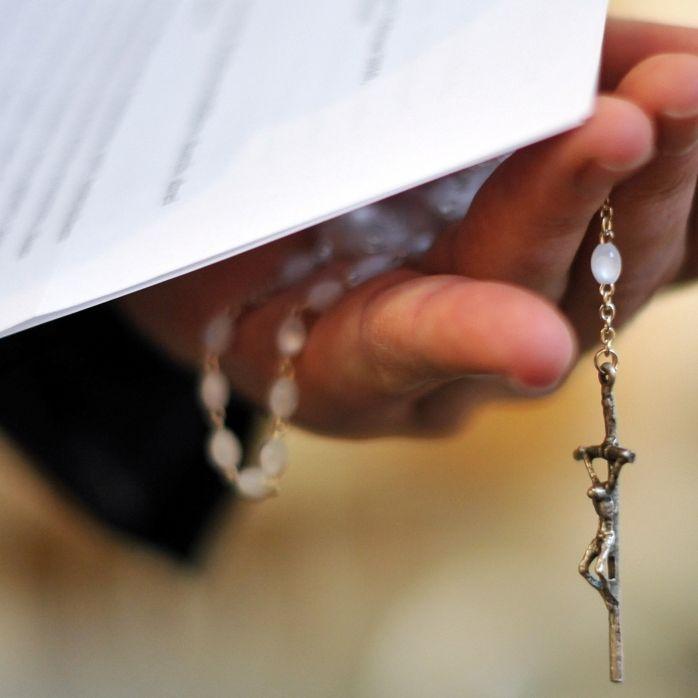 Priester missbraucht Minderjährige (Foto)