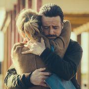 Gibt es ein Zurück? Inspector Tom Mathias (Richard Harrington) bekommt Besuch von seiner Frau Meg (Anamaria Marinca).