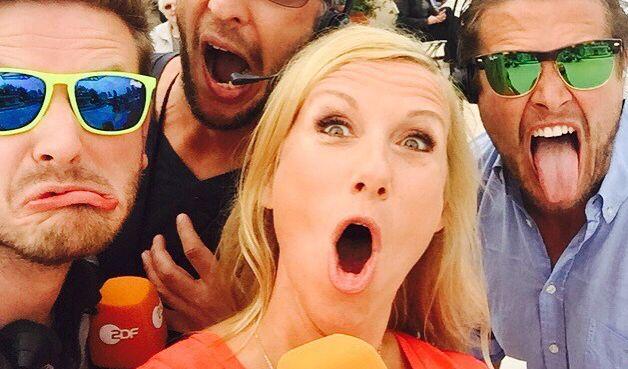 """Im """"ZDF-Fernsehgarten"""" nimmt Andrea Kiewel kein Blatt vor den Mund - oder den Mund auch mal etwas zu voll - oder reißt die Klappe etwas zu weit auf... Wie in diesem Fall. (Foto)"""