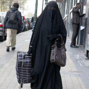 Eine Frau in einer Burka.