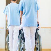 Volltrunkener Pfleger bringt Seniorin (83) zu Fall (Foto)