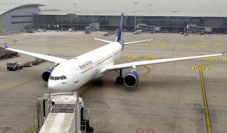 Auf einem Flughafen in Brüssel kam es kurzfristig zu einer Bombendrohung (Archivbild). (Foto)