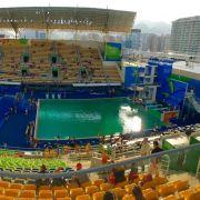 Wieder grünes Wasser in Rio! Athleten haben Schmerzen (Foto)