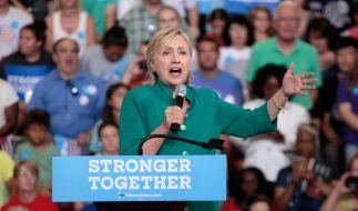 Hillary Clinton während ihrer Rede in Des Moines. (Foto)