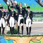 Isabell Werth, Dorothee Schneider, Sönke Rothenberger und Kristina Böring-Sprehe: Gild im Dressurreiten Mannschaft