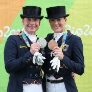 Isabell Werth (links) und Kristina Bröring-Sprehe: Silber und Bronze im Dressurreiten Einzel