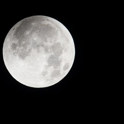 Der Mond wandelt durch den Erdschatten - Das müssen Sie wissen (Foto)