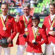 Christian Ahlmann, Ludger Beerbaum, Meredith Michaels-Beerbaum und Daniel Deußer: Bronze im Springreiten Mannschaft