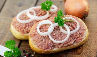 Wegen Salmonellen: Aldi Nord ruft Zwiebelmettwurst zurück. (Foto)