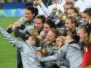 Die deutschen Fußball-Frauen gewannen erstmals Olympia-Gold. (Foto)