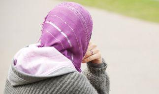 Eine Palästinenserin wurde nach einem Tag im Rathaus entlassen, weil sie ihr Kopftuch nicht abnehmen wollte. (Symbolbild) (Foto)