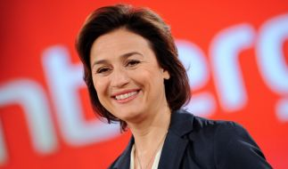 """Sandra Maischberger am 12. Januar 2016 in Berlin im Rahmen ihrer Talksendung """"Maischberger"""". (Foto)"""