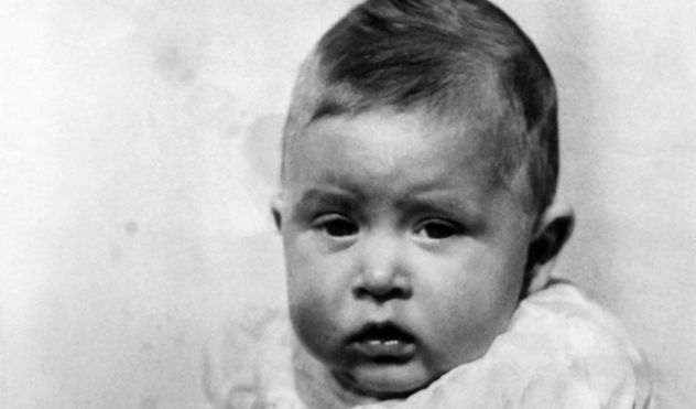 Schon als Baby hatte dieser Royal überaus große Ohren. (Foto)