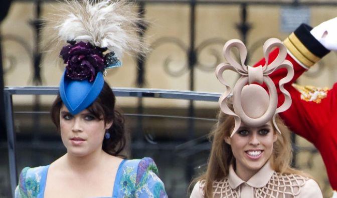 Diese beiden Damen hingegen erinnern schon fast ein wenig an zwei böse Stiefschwestern. In England sind die Schwestern Beatrice und Eugenie von York für ihre fast täglichen Fashion-Fails verschrien. Bei diesem Outfit auch kein Wunder!
