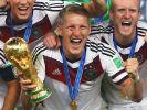 Bastian Schweinsteiger bejubelt die Weltmeisterschaft. (Foto)
