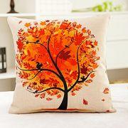 Apropos Herbstflair in der Wohnung: Die warmen Herbstfarben sind auf diesem schmucken Kissenbezug von Luxbon eine wahre Augenweide. Wer mag, kann das Design auch in anderen Farbschattierungen wie pink, rot oder grün wählen.