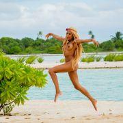 Ex-DSDS Kandidatin Sarah Joelle Jahnel freut sich auf der Insel der Versuchung.