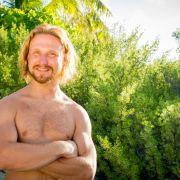 Matthias (28) aus Osnabrück. Der Verkäufer ist seit 1,5 Jahre Junggeselle und arbeitet in einem Outdoor-Geschäft. Er ist ein Naturbursche und liebt das Leben.