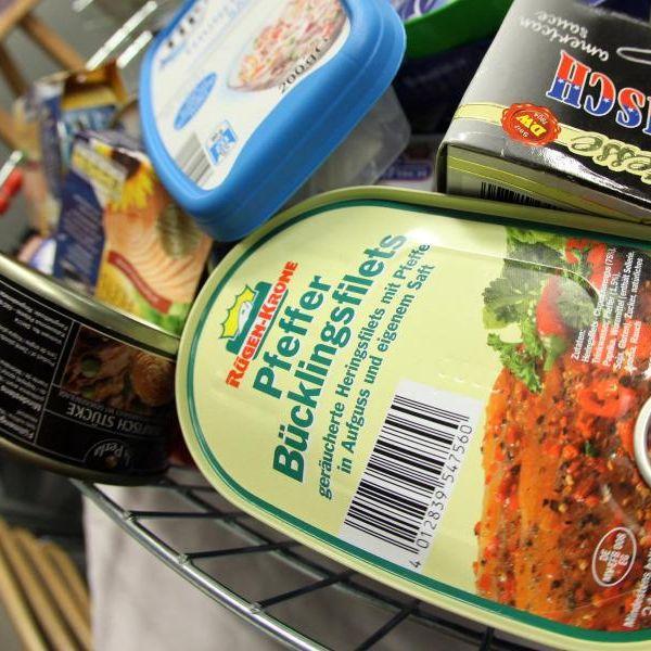 Darum sollten geöffnete Dosen NICHT in den Kühlschrank (Foto)