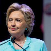 Hillary Clinton droht Wladimir Putin mit Krieg (Foto)