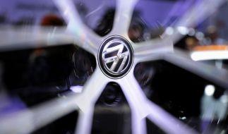 Die EU-Kommission wirft Volkswagen im Abgasskandal Verstöße gegen europäische Verbrauchergesetze vor. (Foto)