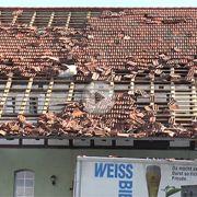 Ein Tornado hat am Sonntagnachmittag in der niedersächsischen Gemeinde Dramfeld bei Göttingen eine Schneise der Zerstörung gezogen.