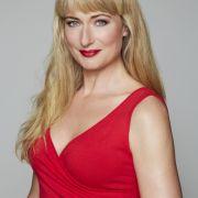 Eva Maria Rodekirchen ist eigentlich eine Countrysängerin. Doch in ihrer Rolle als alleinerziehende Mutter Maren Seefeld hat man von diesem Talent leider noch nichts gehört. 2012 wurde die gebürtige Bochumerin Mutter einer Tochter.