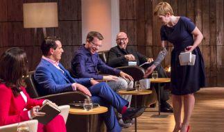 """""""PonyHütchen"""": Judith Williams (v.l.), Ralf Dümmel, Frank Thelen und Jochen Schweizer und Gründerin Hendrike Grubert. (Foto)"""