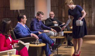 Judith Williams (v.l.), Ralf Dümmel, Frank Thelen und Jochen Schweizer mit Gründerin Hendrike Grubert. (Foto)