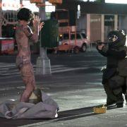 Die Nackte vom Times Square! Diese Serie ist extrem spannend (Foto)