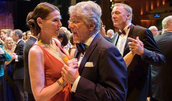 Marcel Reif tanzt mit Ehefrau Marion Kiechle. (Foto)